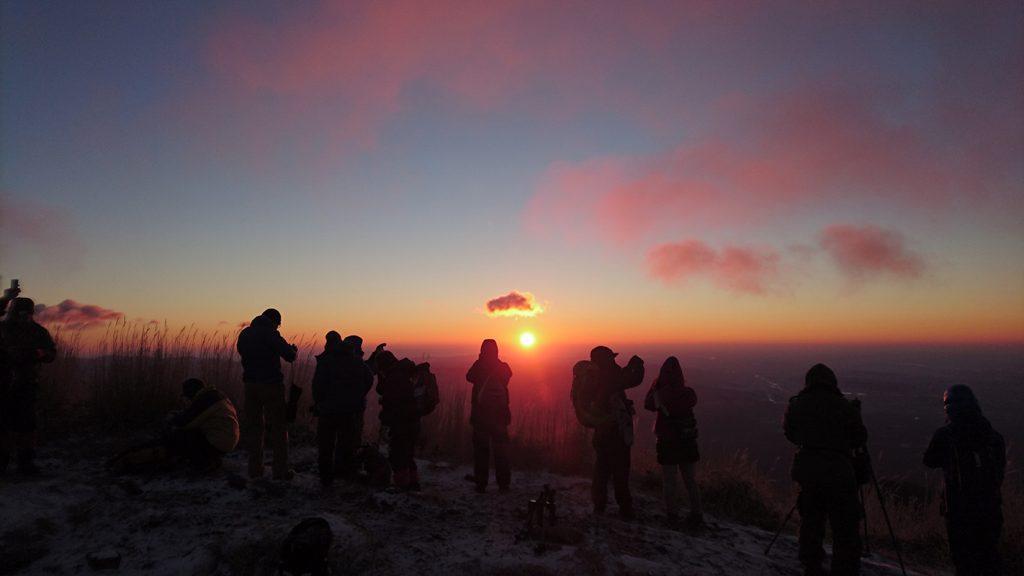 長七郎山頂からの初日の出風景