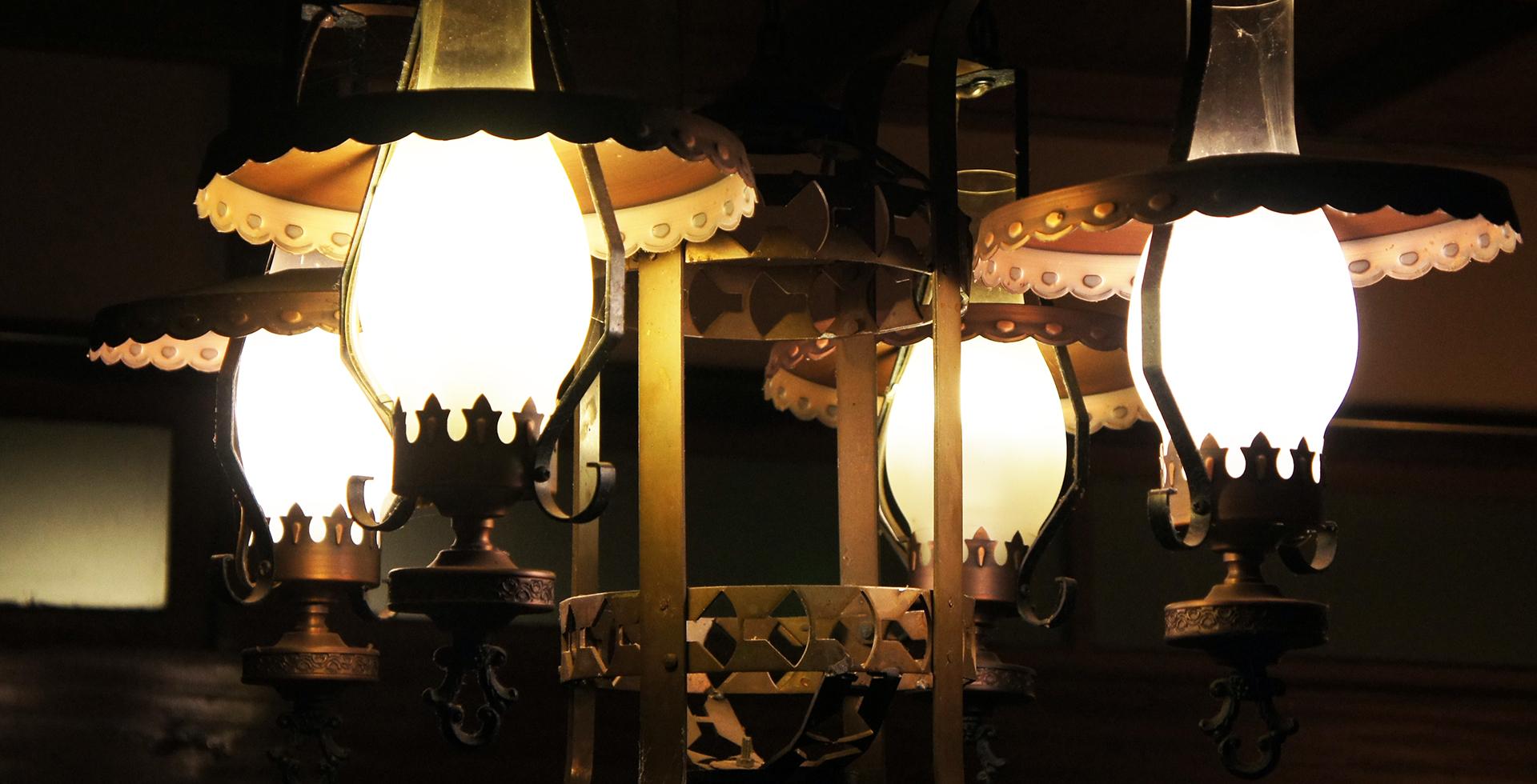 青木旅館のランプ